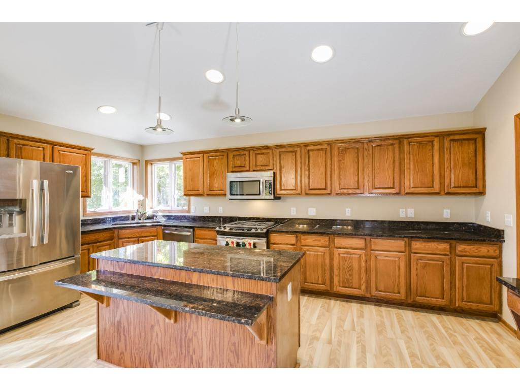 Luxuriously appointed Kitchen!