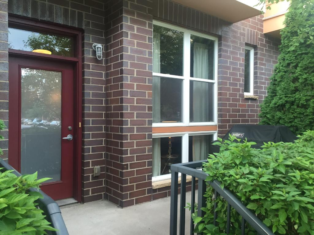 Your own private entry off Ellis Ave!