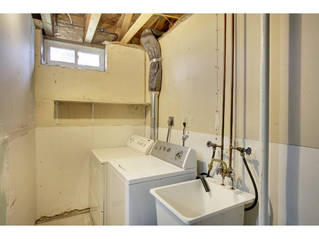 Nice laundry area in basement