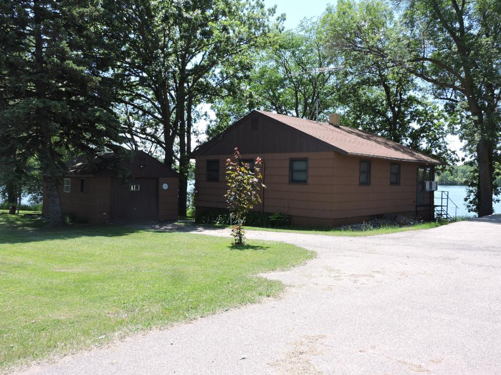 26859 east state highway 55 paynesville mn 56362 mls 4788663 edina realty