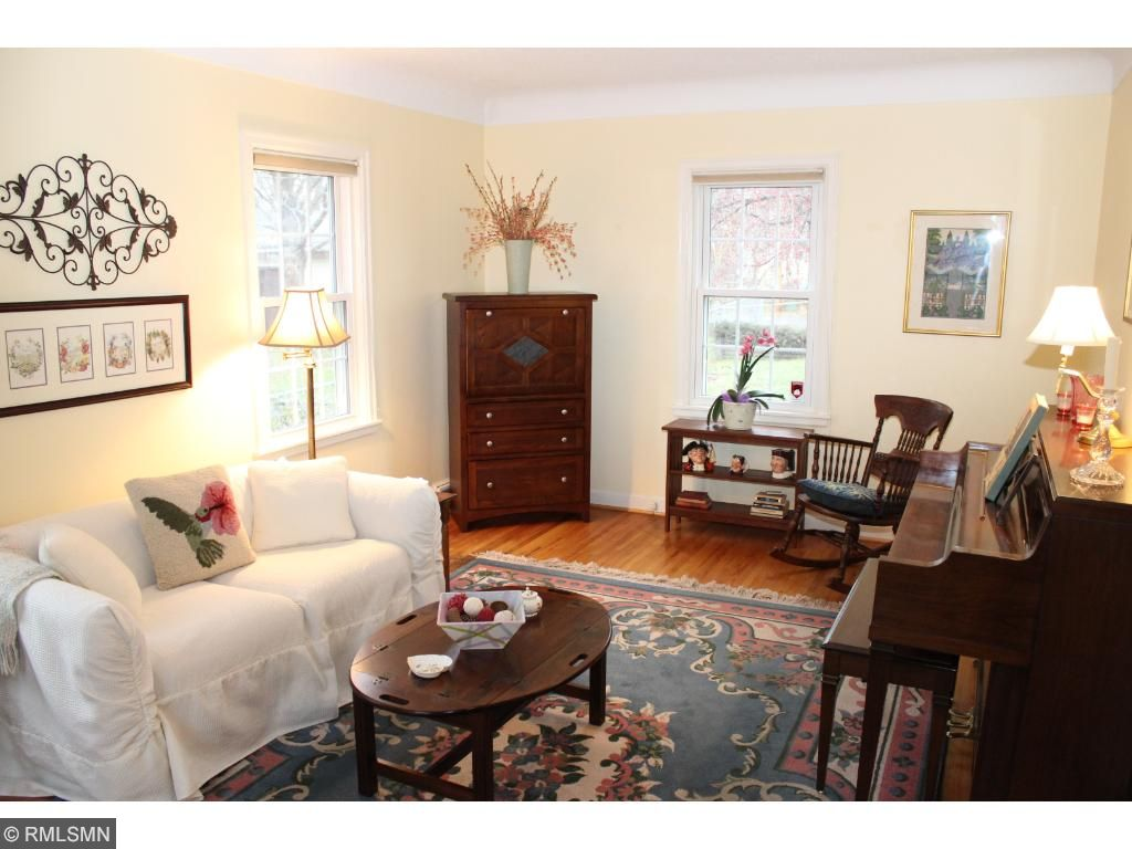 Bright and cheery main level family room!