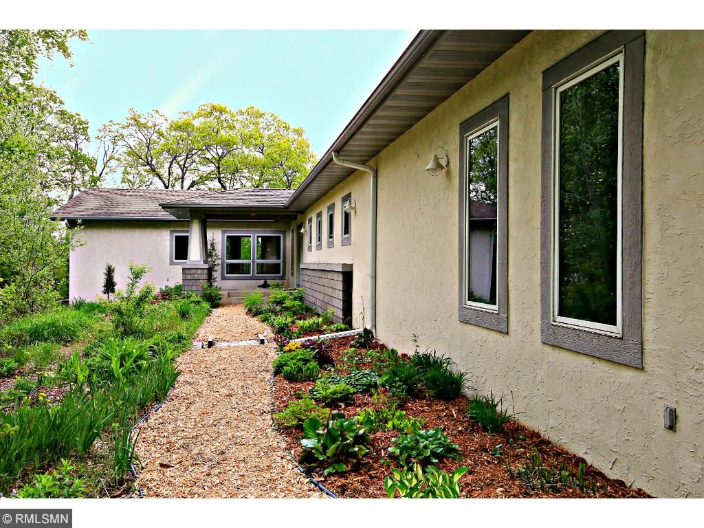 27834 lakelawn drive lindstrom mn 55045 mls 4713549 edina walk through the butterfly garden to the front door of this beautiful home rubansaba