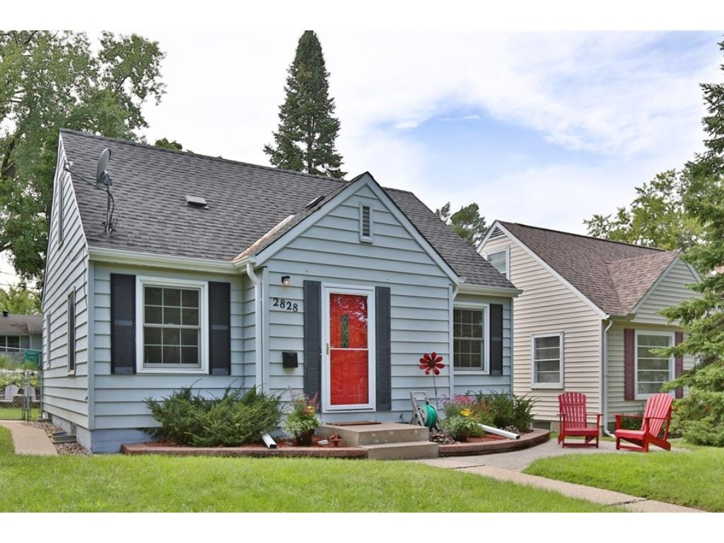 Adorable curb appeal in the Birchwood neighborhood of St. Louis Park!