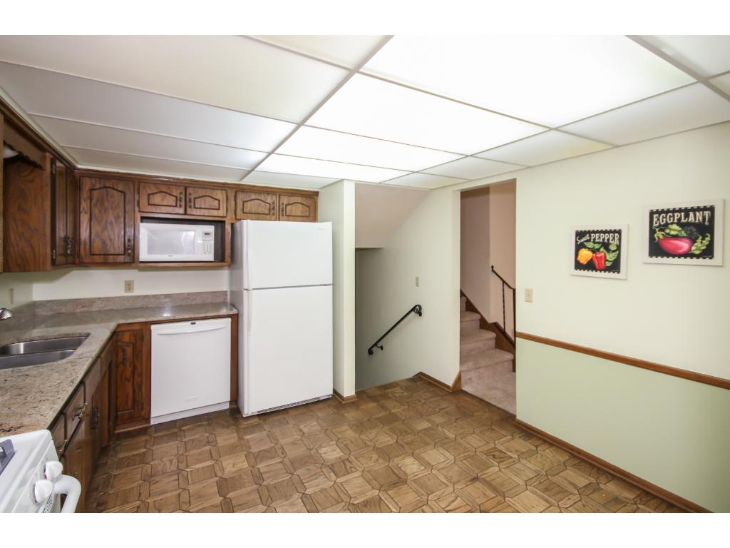 Spacious kitchen, newer granite counter tops, eat-in dining.