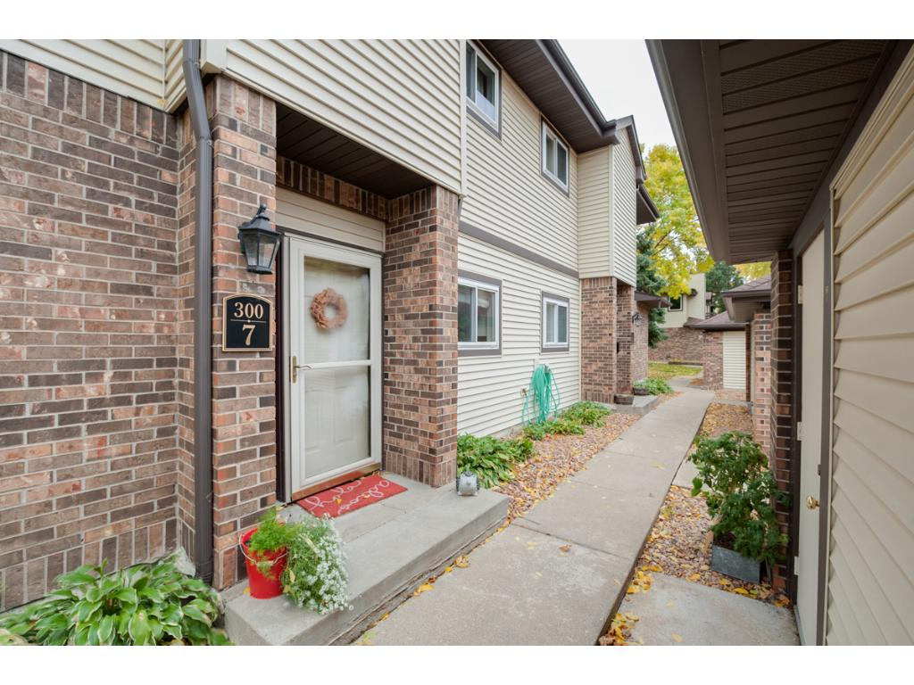 Charming condo with welcoming private front entrance is conveniently located to Hwy 169 and provides one level living.