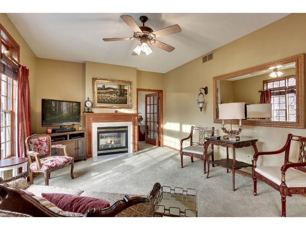 Main level FR with gas fireplace