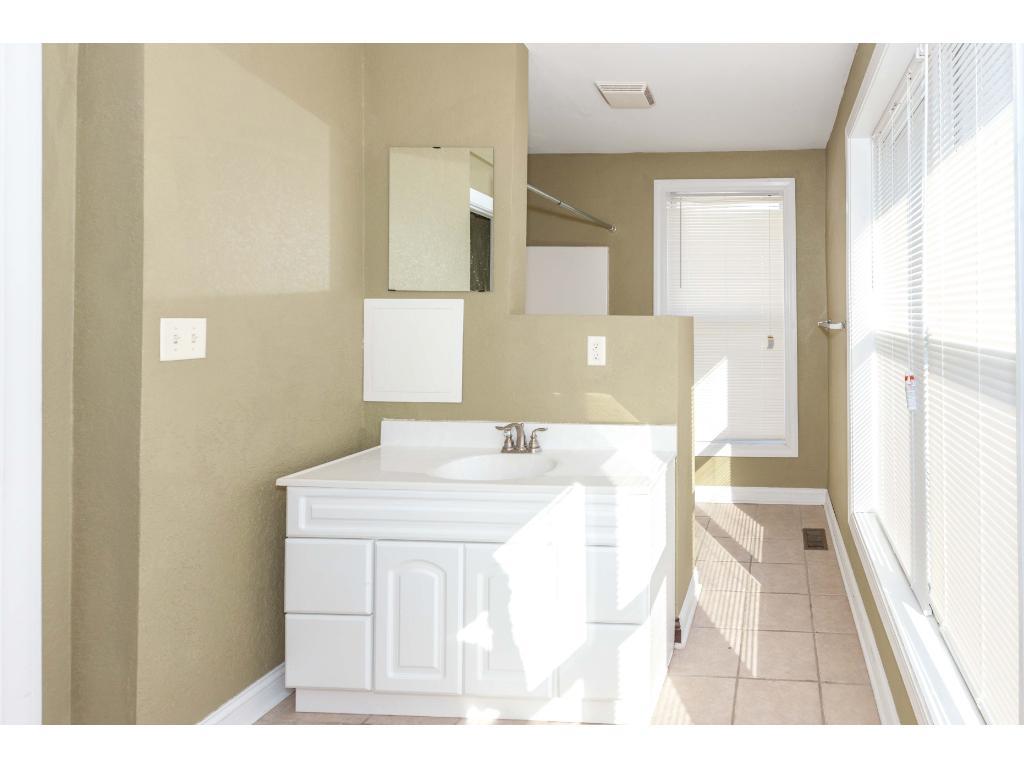 Another 2nd floor bath