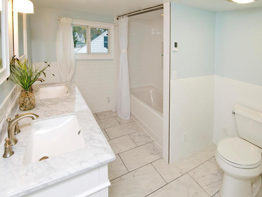 Master bath with heated floors!