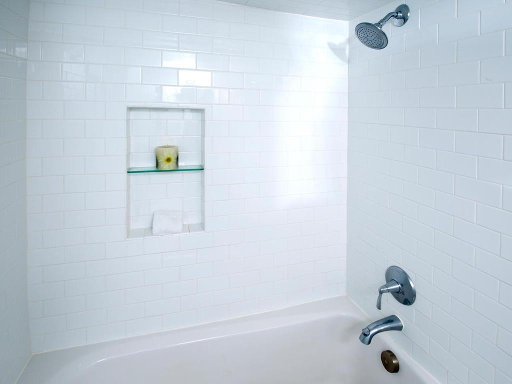 Beautifully tiled shower/bath