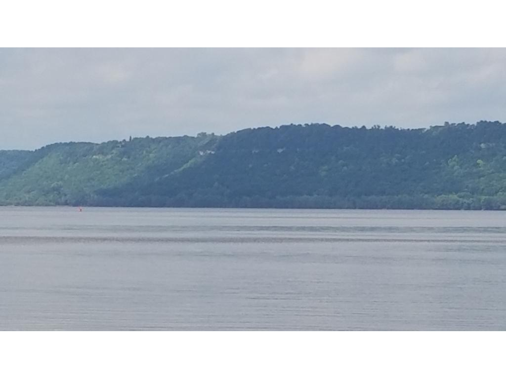 Zoomed in pic to show approx. size of bluffs from beach.