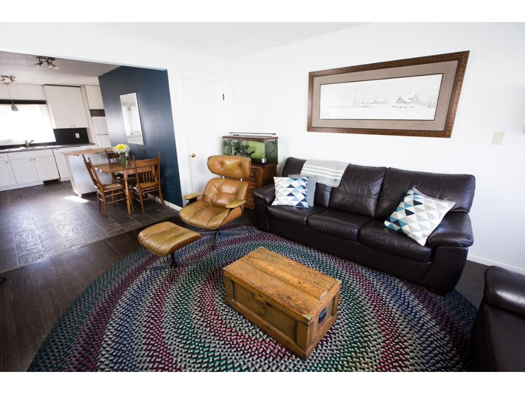 Living room 3106