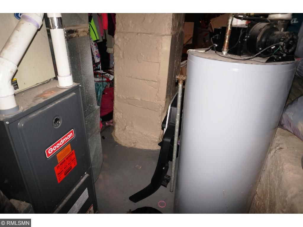 Newer Mechanicals - Furnace and Hot Water Heater new in 2009