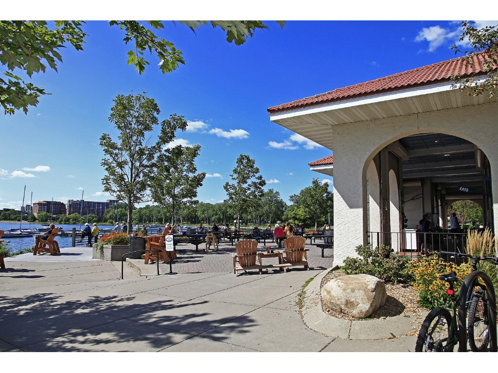 Located steps away from Lake Calhoun, Calhoun Place is the perfect condo for those looking for a great condo that's close to everything, shops, restaurants, nightlife & more!