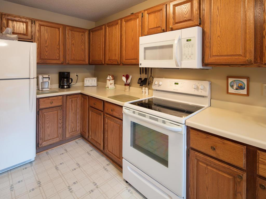 All of the kitchen appliances have been replaced in the past 4 years!