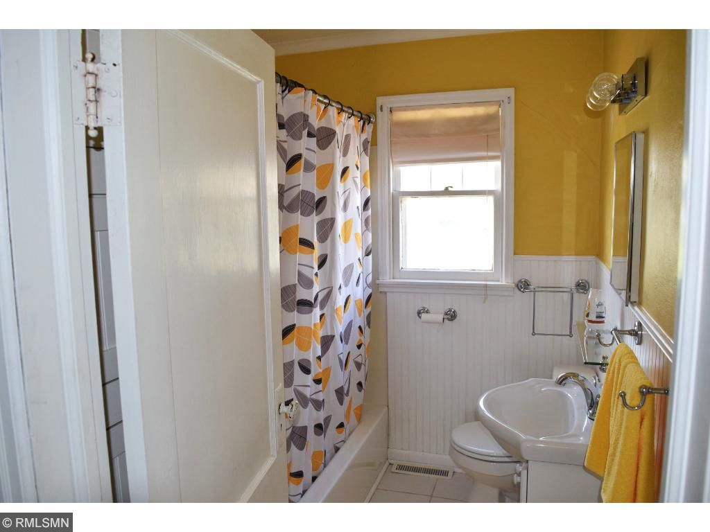 A bathroom that truly brightens your day.