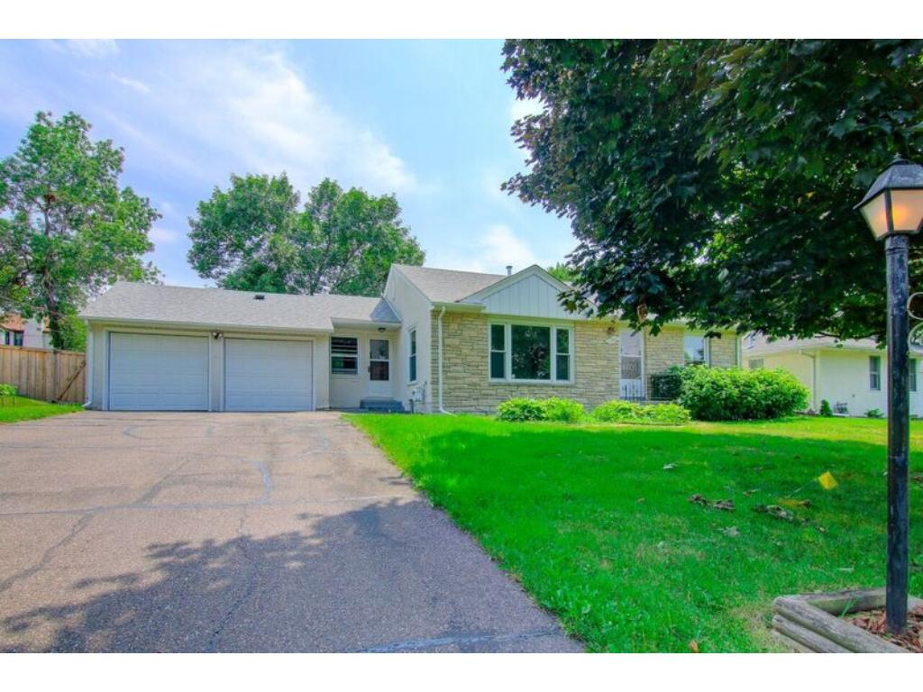 3221 Saint Margaret Drive, Golden Valley, MN - USA (photo 2)