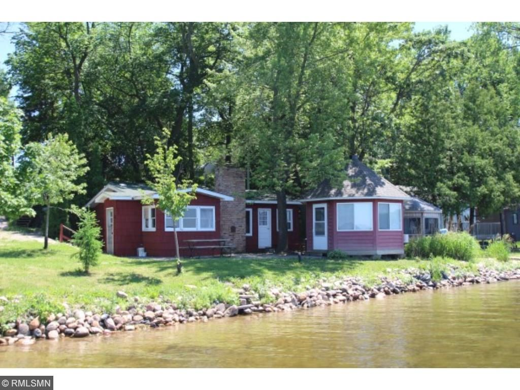 Charming rustic retreat just steps away from 120 feet of prime sandy shoreline on the shores of Lake Francis. You will not be disappointed in this shoreline. Let the fun times begin.