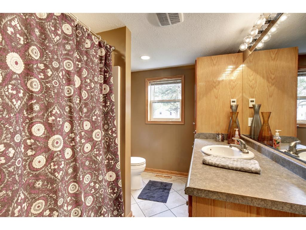 You're gonna love the tile floors, higher cabinets and neutral colors.