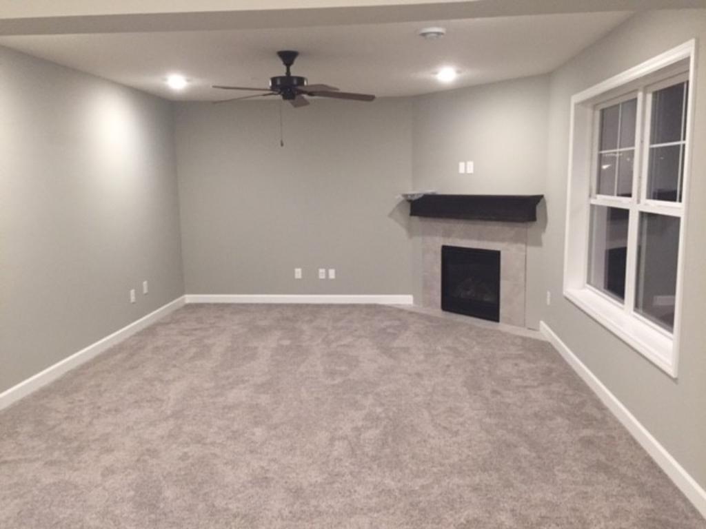 Roomy & cozy great room
