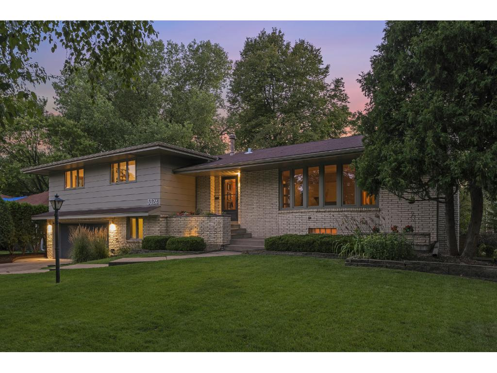 Fabulous Mid Century Home On A Quiet Street And In Wonderful Neighborhood