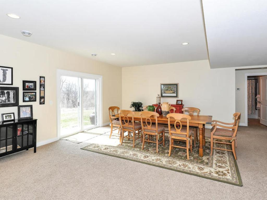 L/LVL 2ND FAMILY ROOM WALKS OUT TO PATIO/SCREENED PORCH