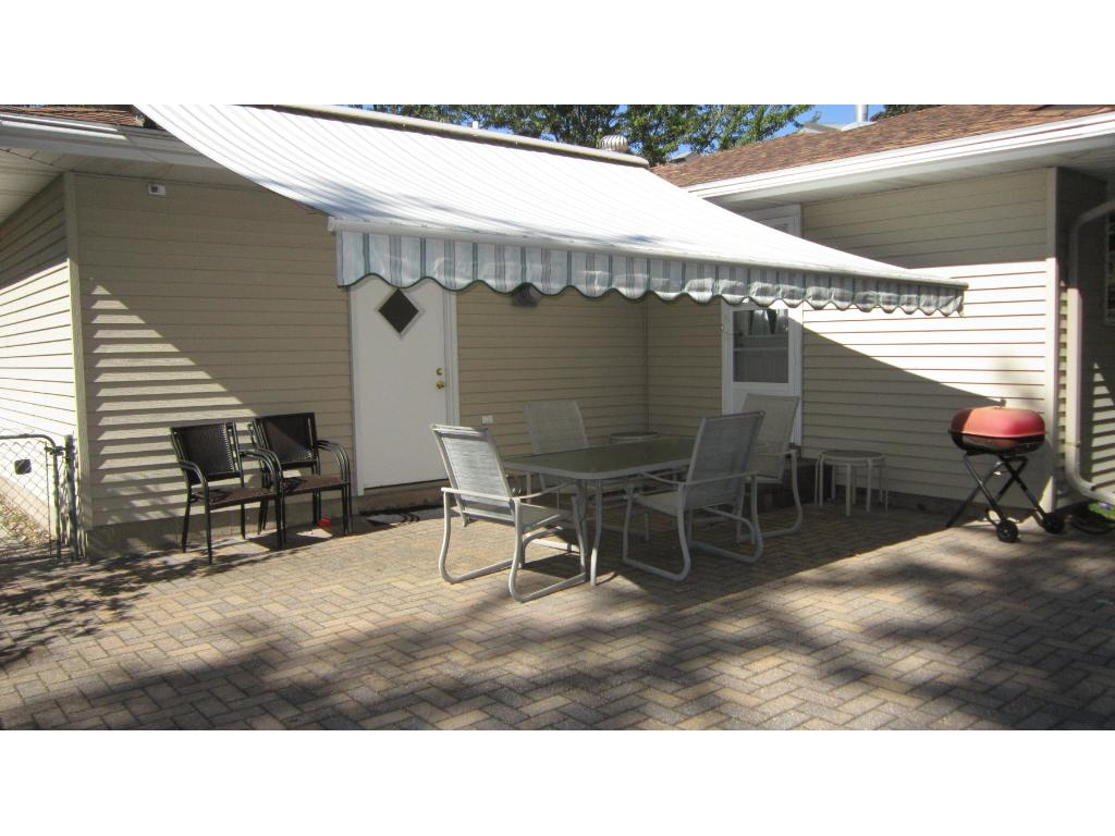 Look at the shade this electronic canopy adds to the patio, making this area comfortable even on the hottest and sunniest afternoons!