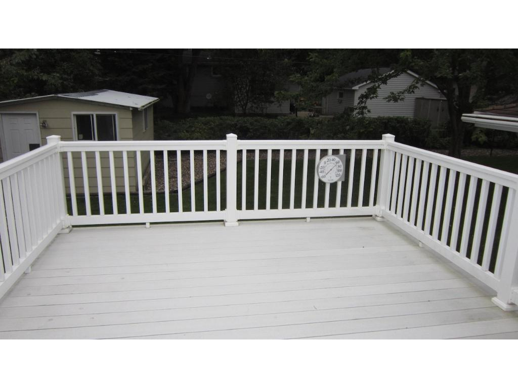 Look at the size of the deck!