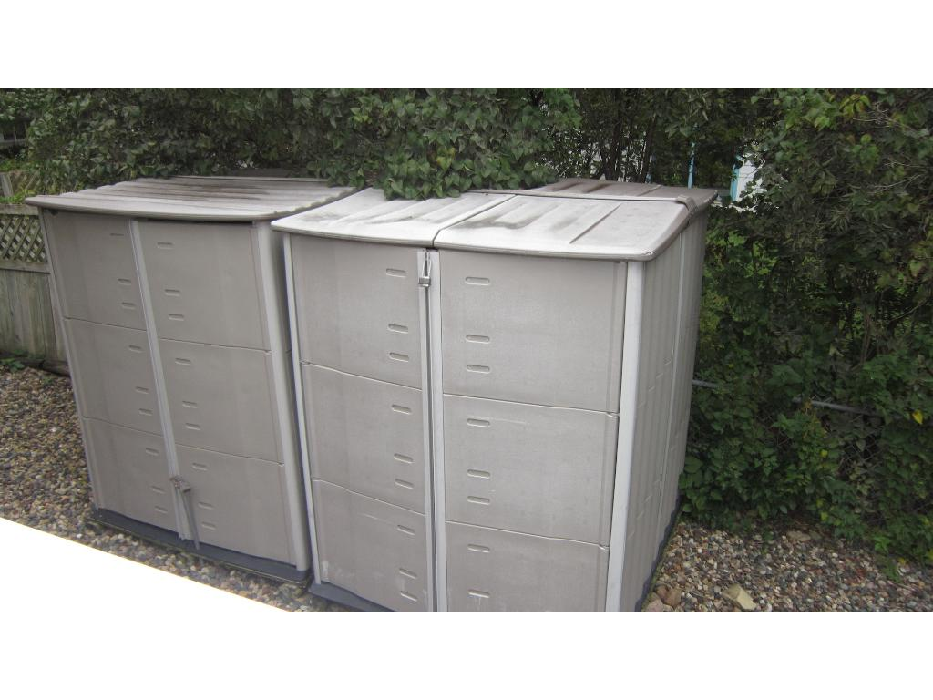 Lots of exterior storage available with these storage units.