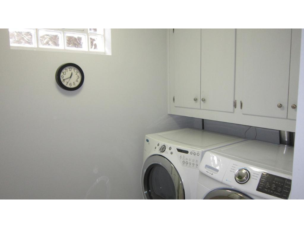 Great appliances in the laundry and there is a sink also.