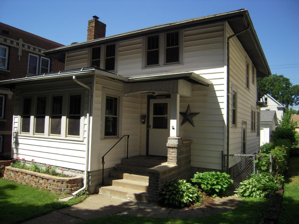 Desirable location walking distance to top-quality restaurants and Lake Calhoun!
