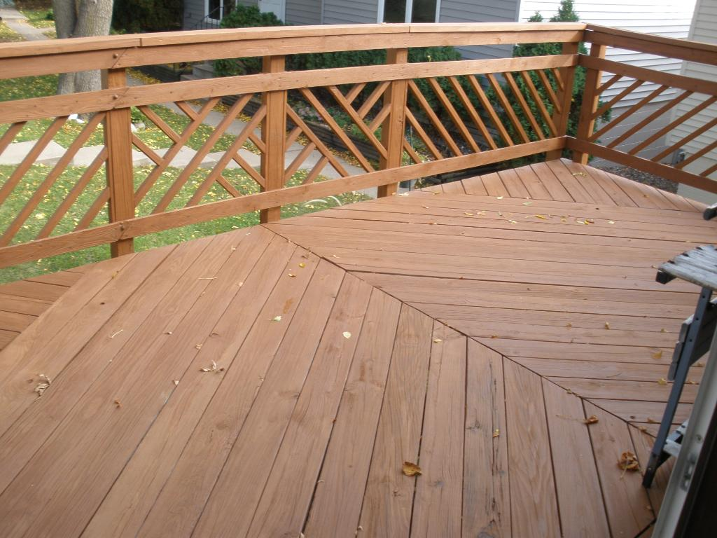 Great size deck for entertaining.