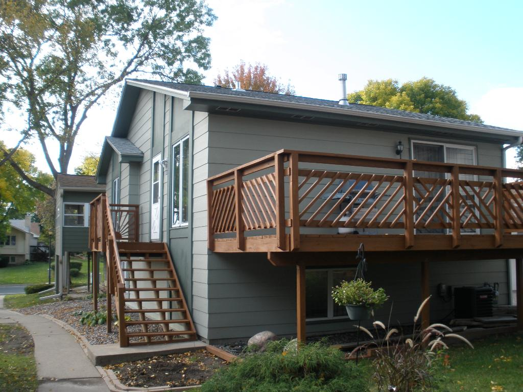 Both deck and porch newly stained.