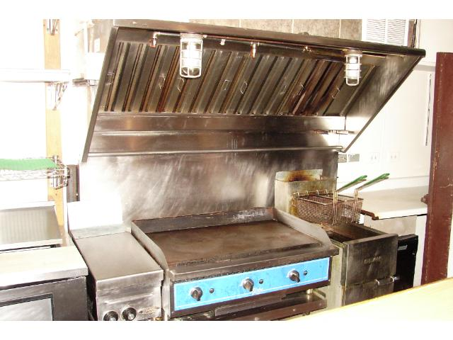 Grill and deep fryer.