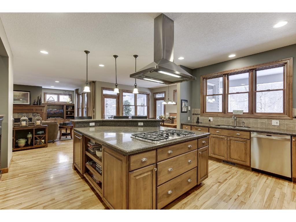 392 cedar court hudson wi 54016 mls 4786283 edina for High end appliances for sale
