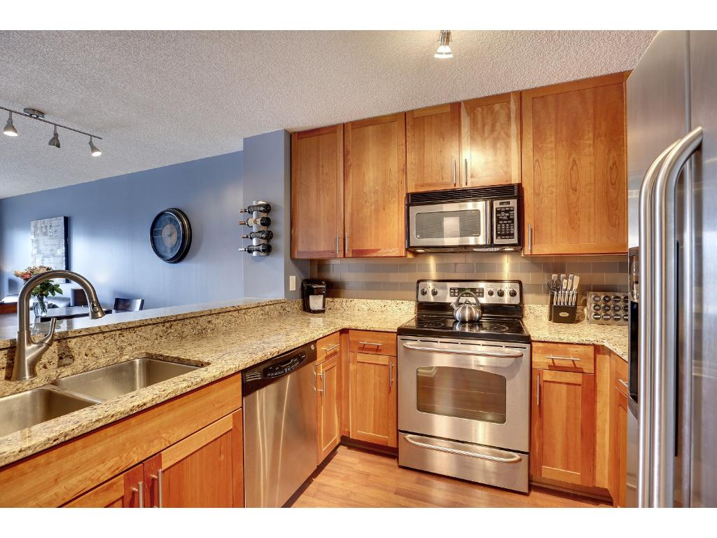 Beautiful Kitchen with new stainless steel appliances
