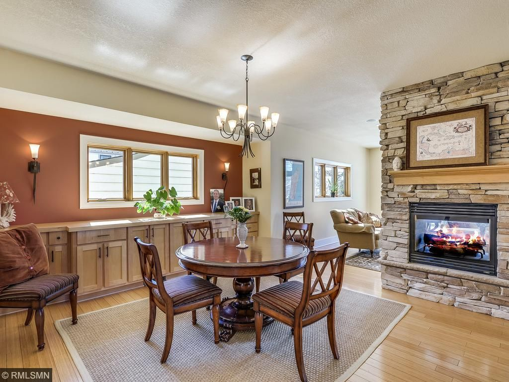 Fabulous Dining Room With A 2 Sided Fireplace To The Front Living Room And  Deck Part 63