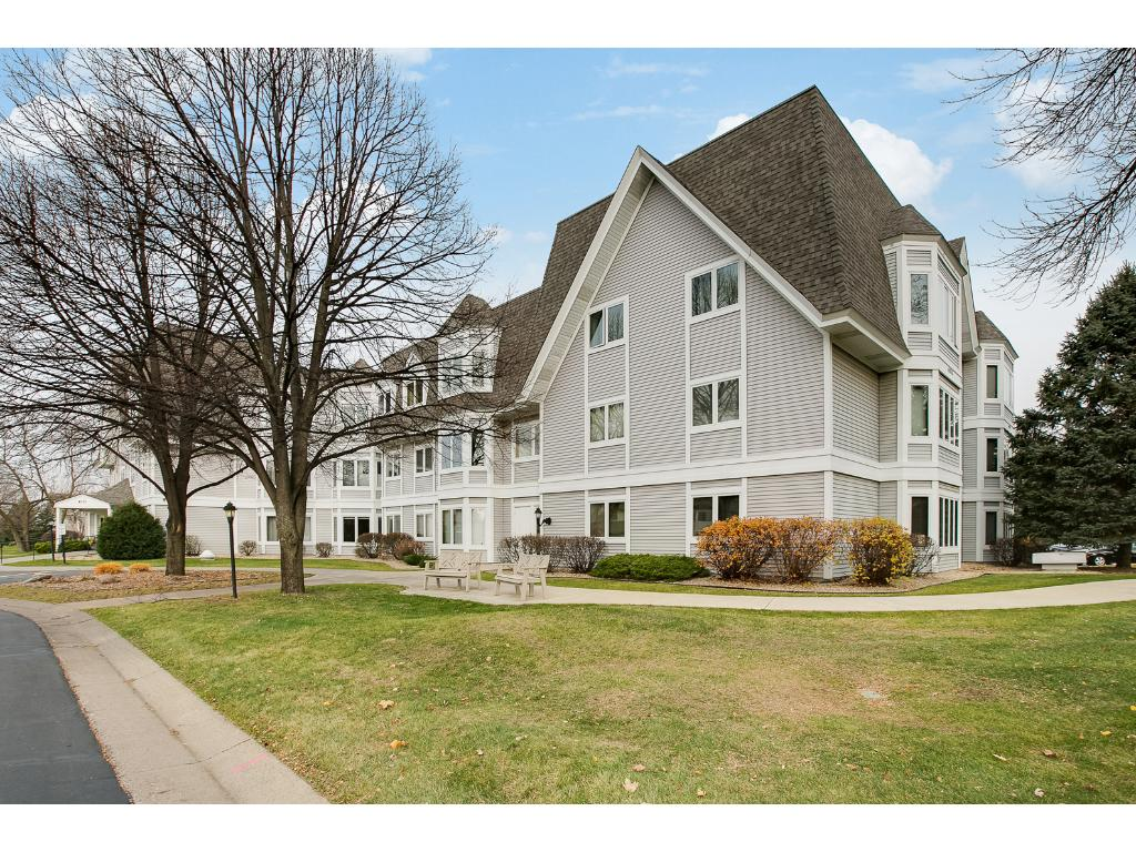 Welcome home to 4035 Victoria #303! Beautiful building and landscaping.