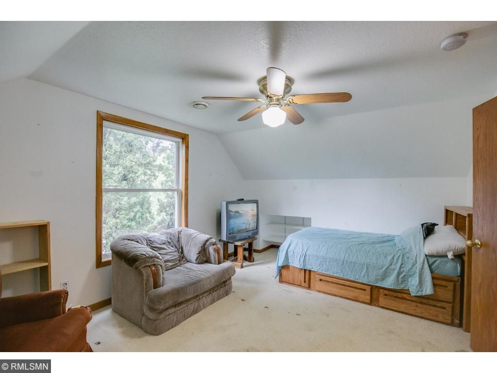 Upper level bedroom with large closet