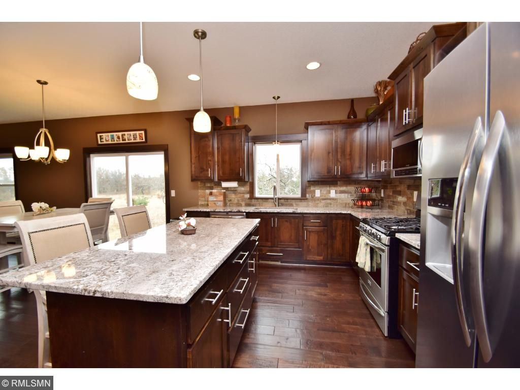 Stainless steel appliances and granite counter tops are a plus!