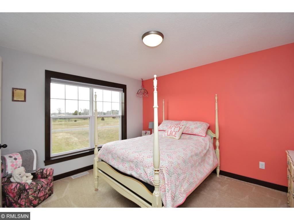 upper level bedroom has walk in closets too!