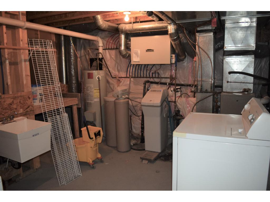 Laundry/Maintenance room