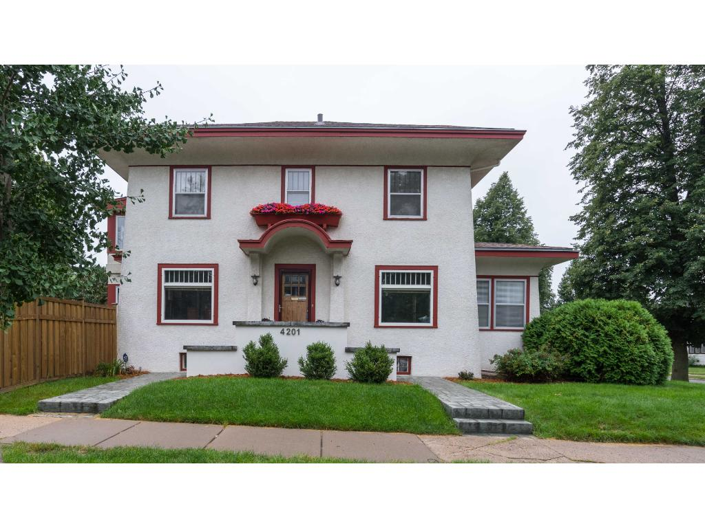 Classic craftsman with four bedrooms up