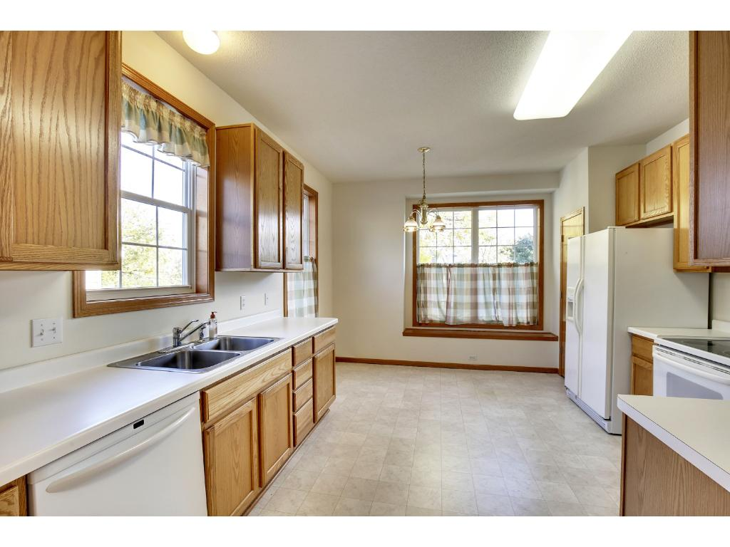 Plenty of eating space in this kitchen.