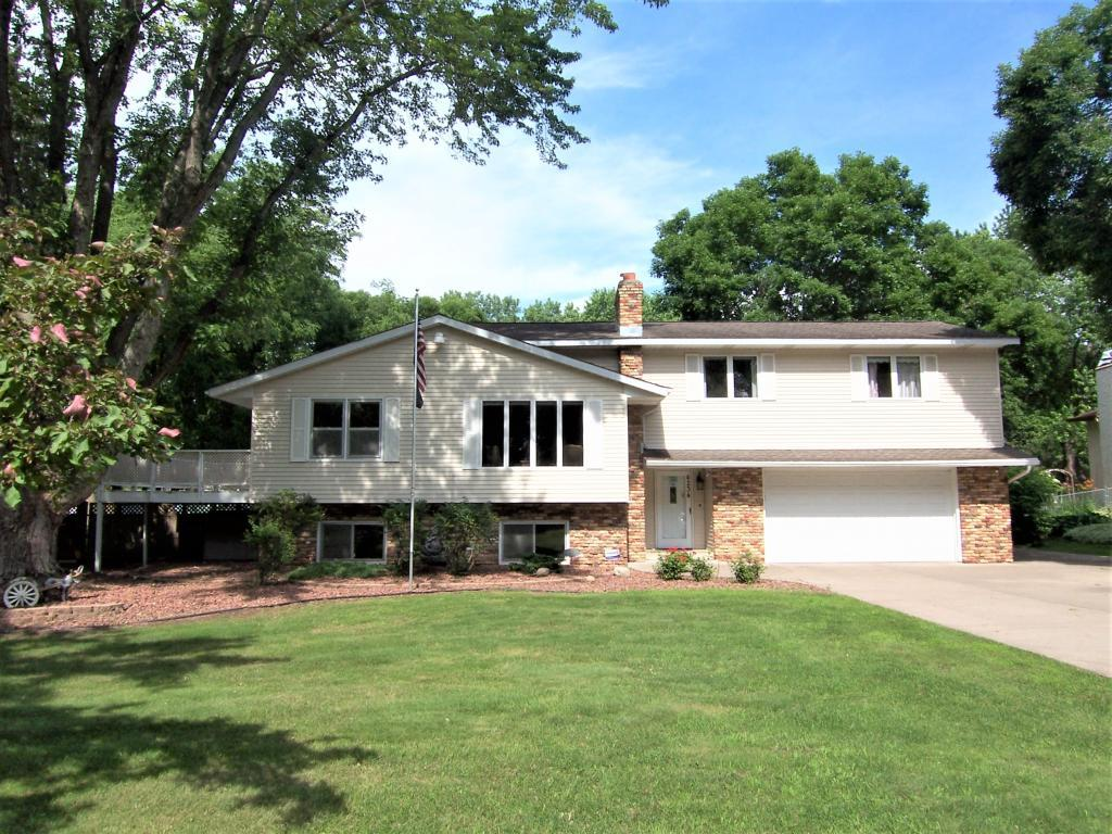 4234 Goodwin Avenue N, Oakdale, MN - USA (photo 1)