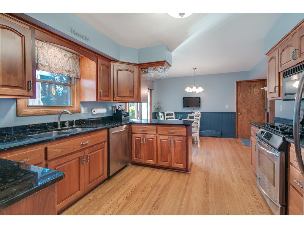 Look at those hardwood floors!