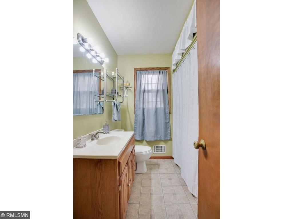 Fullsize bathroom