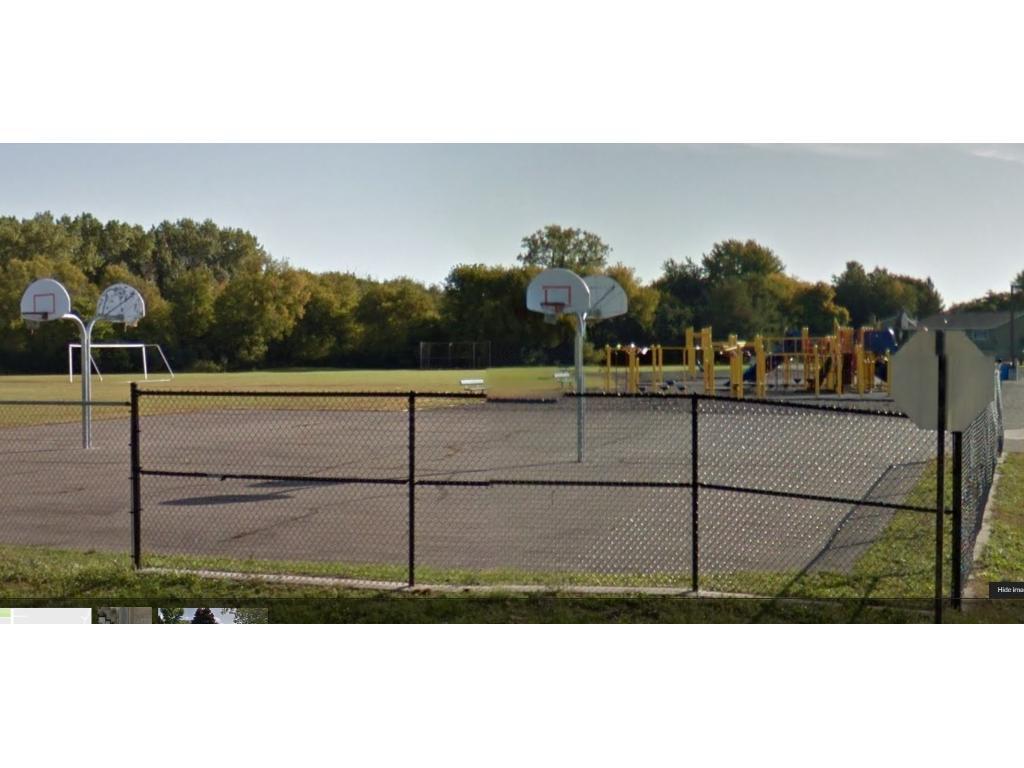 1 block from Birch Grove school park