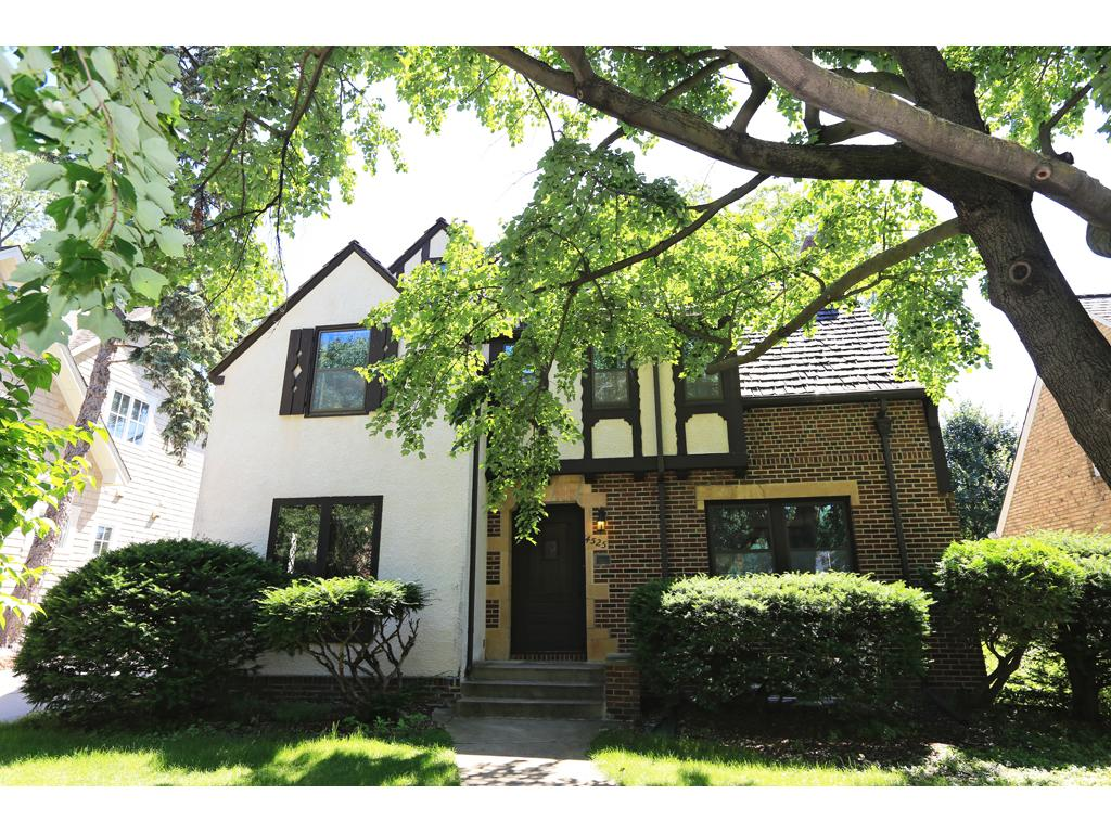 Welcome to 4525 Arden Ave - conveniently located in Edina's Country Club neighborhood!