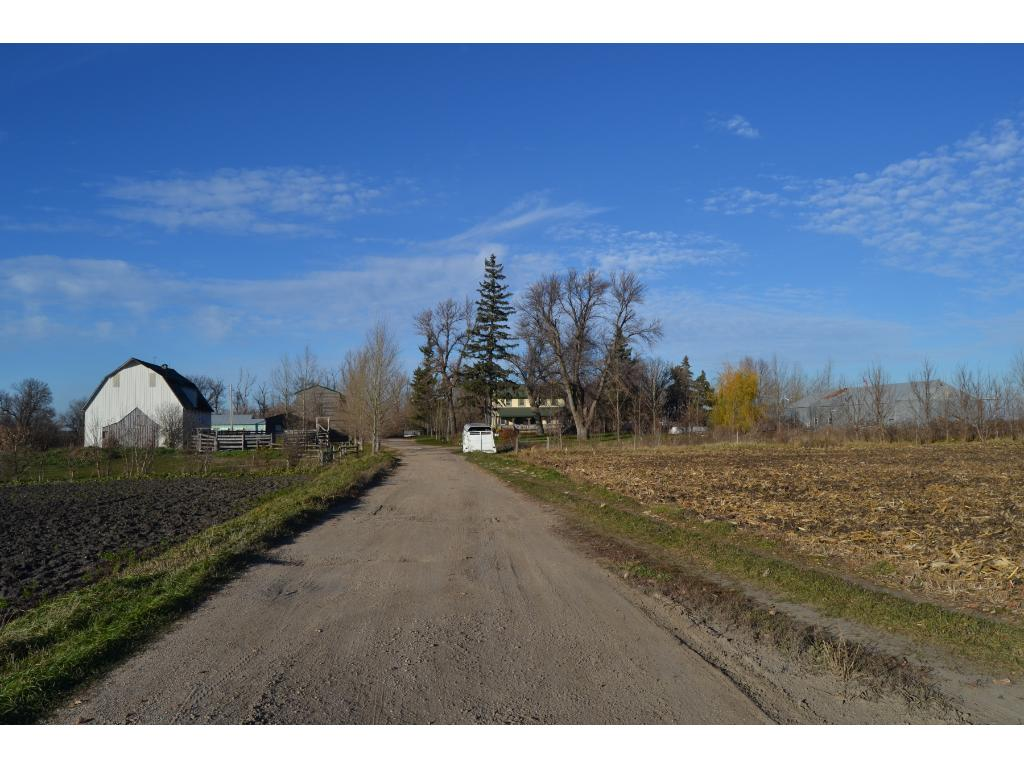 Large 10 Acre Hobby Farm / Ranch with several buildings and awesome HUNTING.