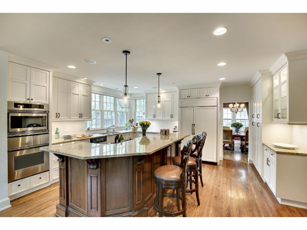 The kitchen has all the features that cooks will enjoy.